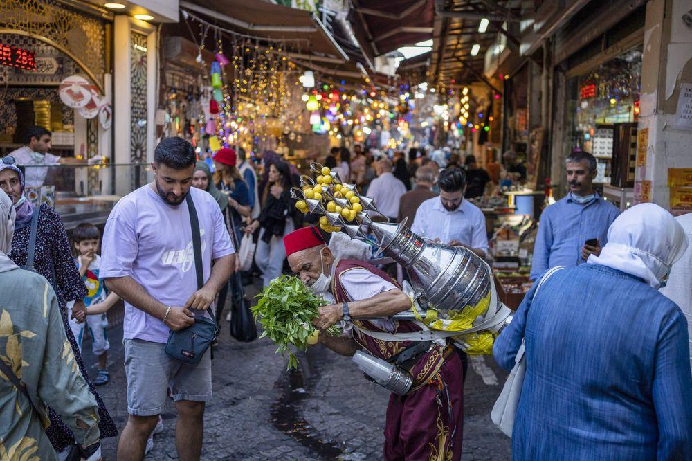 L'écart du compte courant de la Turquie continue de se réduire grâce au tourisme