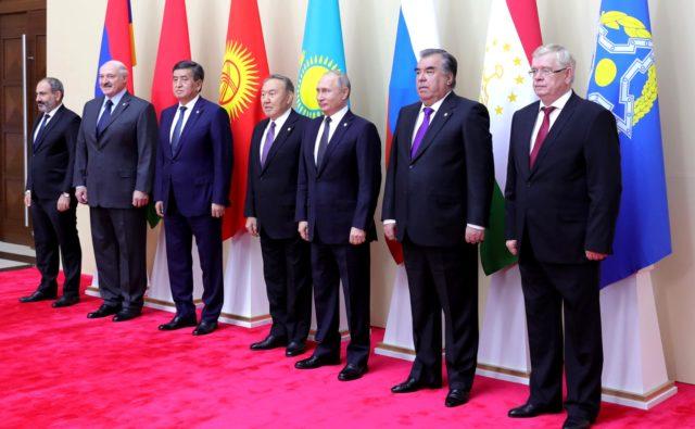 La Russie et la Turquie rivalisent pour attirer l'Azerbaïdjan dans leurs jeux géopolitiques