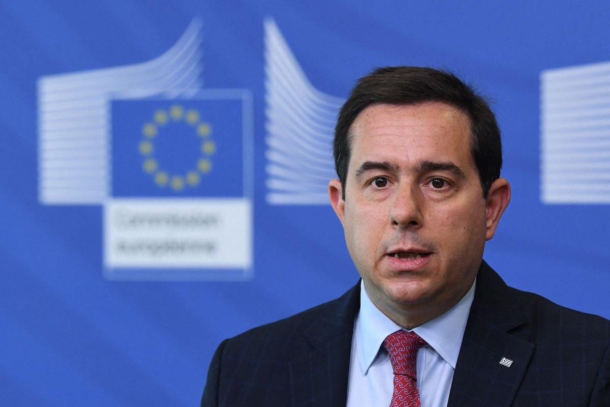 Le ministre grec exhorte l'UE à tenir sa promesse envers la Turquie de voyager sans visa