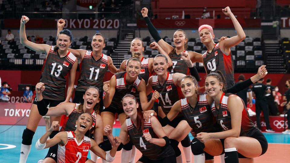 L'équipe féminine de volley-ball de Turquie bat la Russie et se qualifie pour les quarts de finale olympiques
