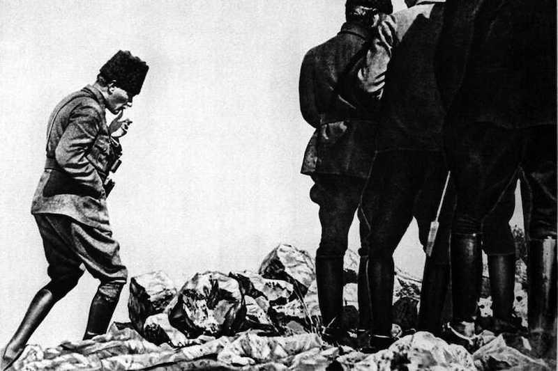 Mustafa Kemal gagne à Dumlupinar et chasse les Grecs d'Anatolie