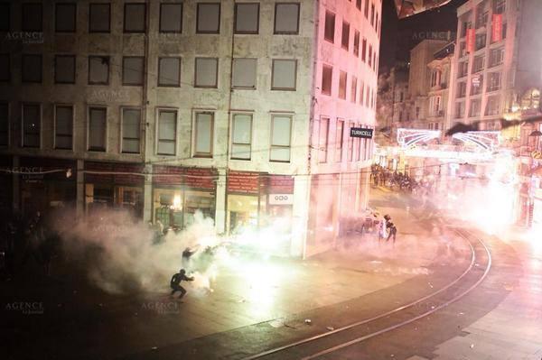 Manifestations kurdes en Turquie contre le refus d'intervenir en Syrie