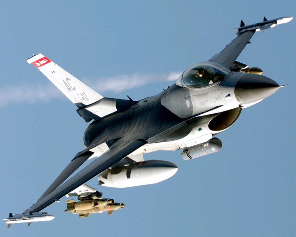 Des F-16 turcs interceptent un chasseur russe