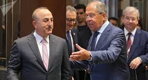 Lavrov et Cavuşoğlu s'entretiennent des préparatifs de la tenue de la conférence du dialogue national syrien à Sotchi