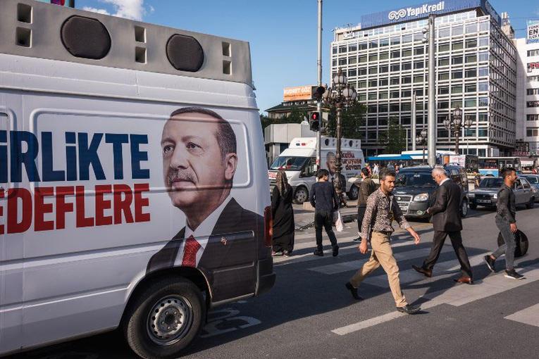 Un début de campagne difficile pour Erdogan