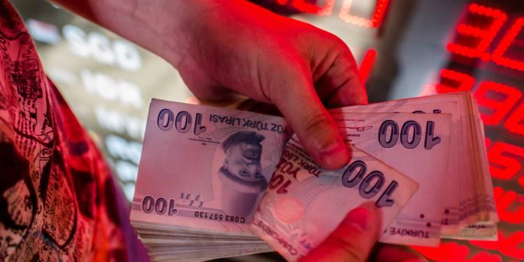 La livre turque faiblit face à la perte d'appétit