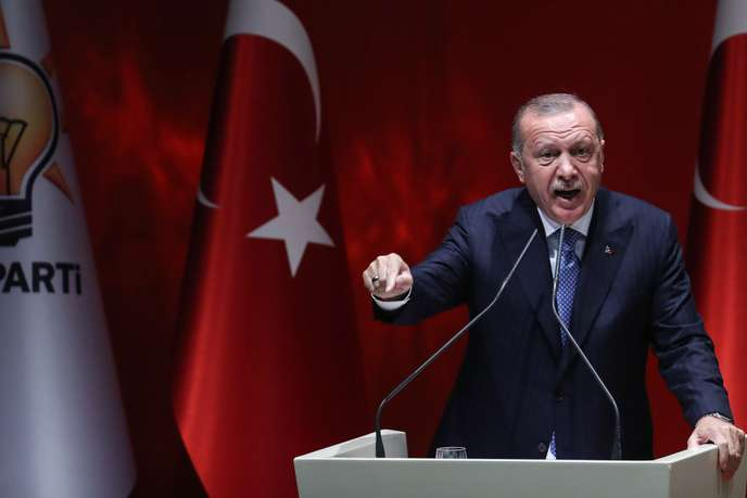 [Migrant] Erdogan menace d'ouvrir les portes vers l'Europe