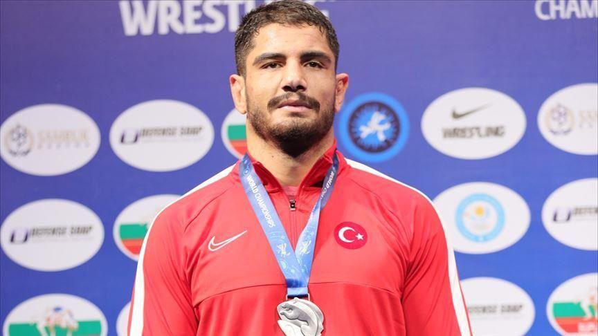 Le turc Akgul est deuxième au classement du World Wrestling