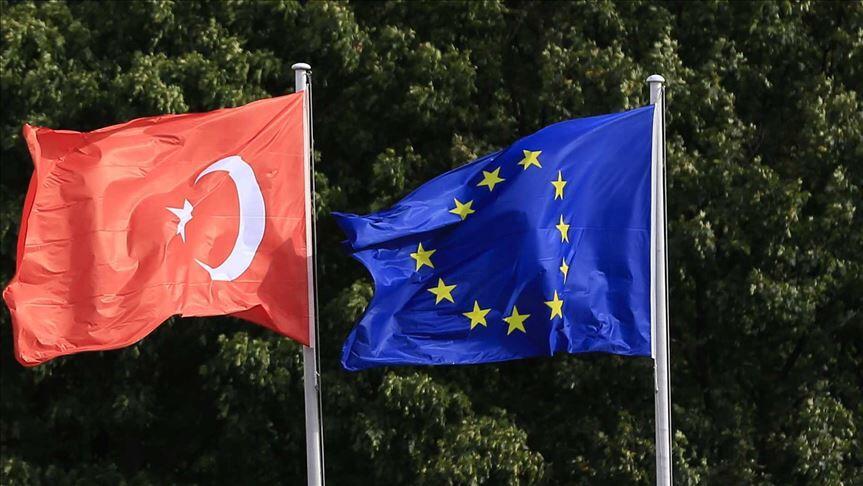L'UE devrait accorder une aide financière supplémentaire à la Turquie