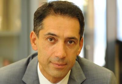 Ambassadeur d'Azerbaïdjan à Paris S.E. Rahman MUSTAFAYEV concernant les prétendues chartes d'amitié.