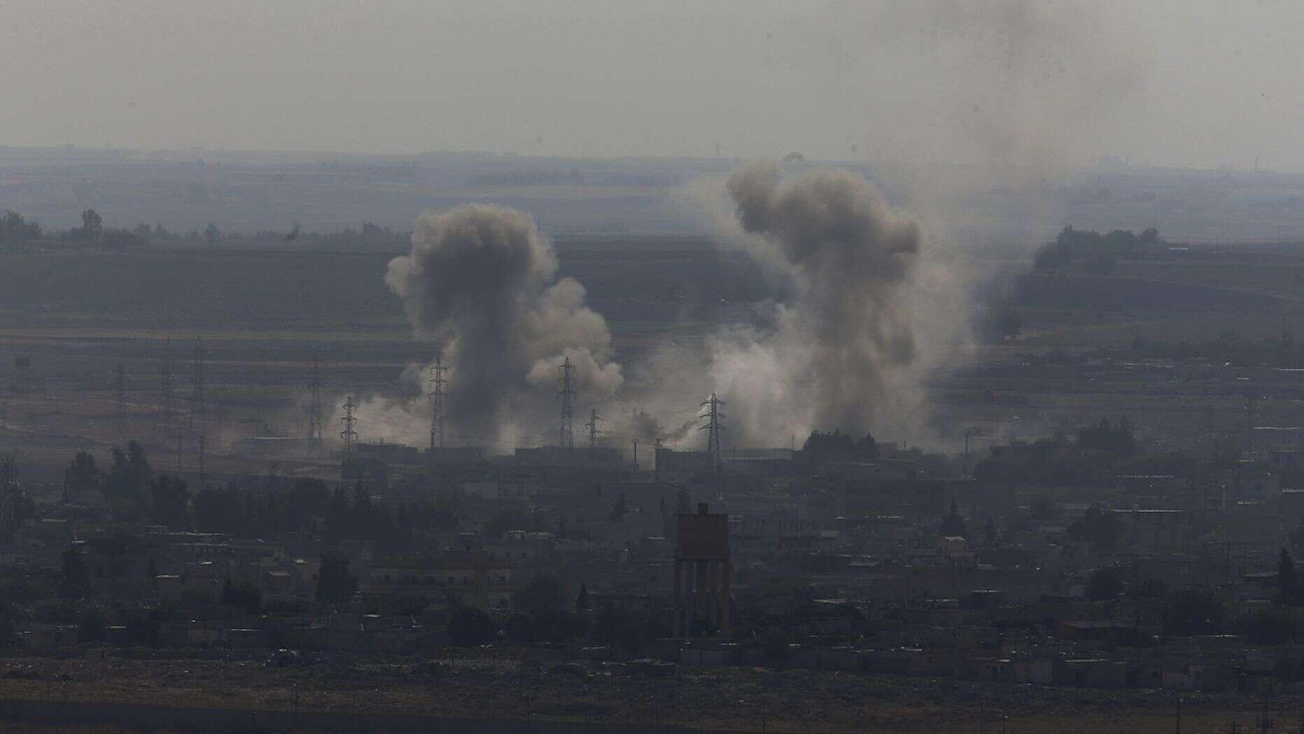 L'armée russe patrouille à la frontière entre la Syrie et la Turquie alors que les troupes américaines se retirent officiellement