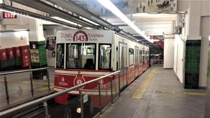 """""""Tünel"""" le deuxième métro urbain le plus ancien du monde"""