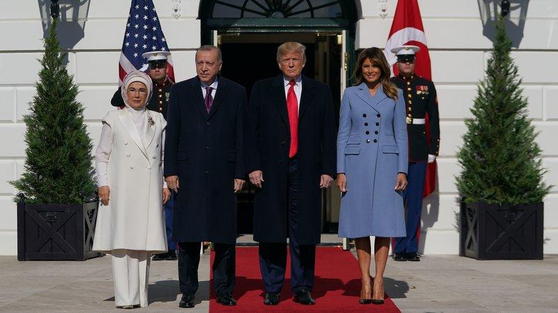 Trump tient une conférence de presse conjointe avec le turc Erdogan