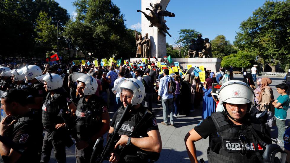 La ville d'Istanbul a renvoyé 6 000 Syriens depuis le mois de juillet