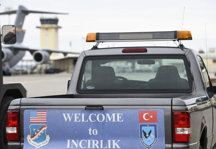 Les États-Unis demandent des éclaircissements sur l'avertissement de la Turquie concernant les bases aériennes