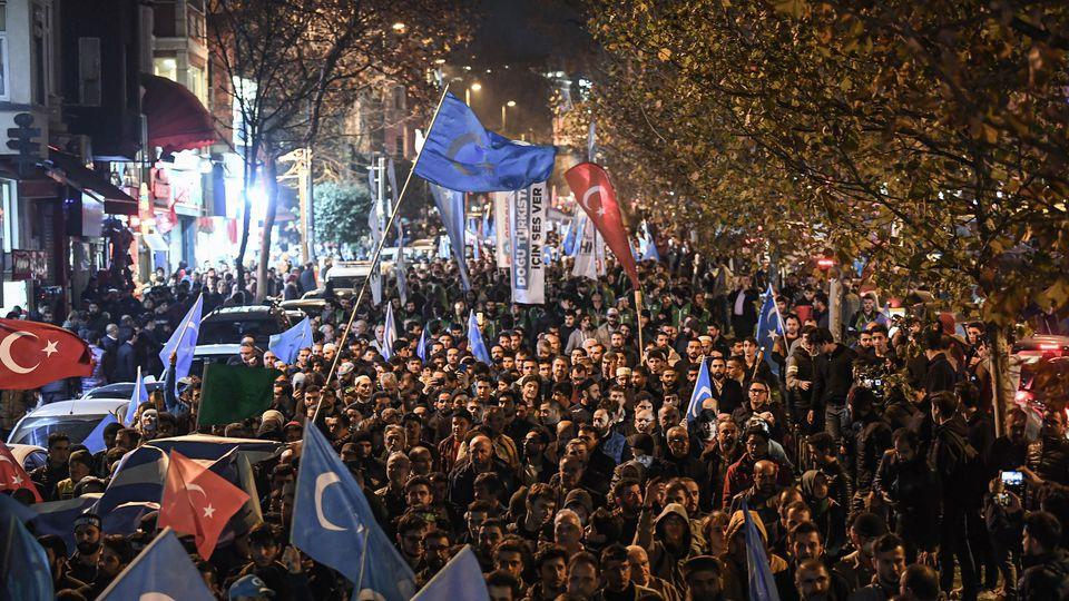 Plus de mille manifestants à Istanbul contre le sort des Ouïghours en Chine