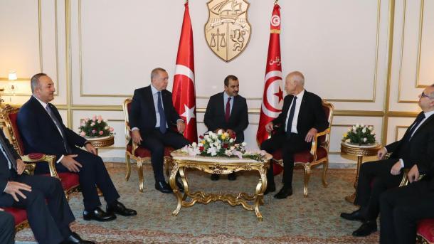 Le président Erdogan réalise une visite surprise en Tunisie