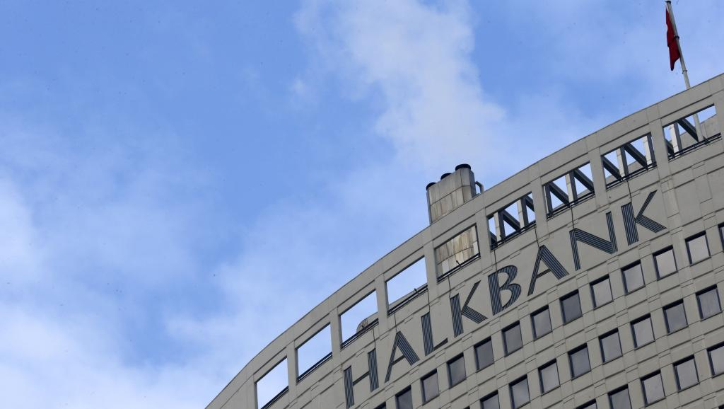 Les États-Unis demandent une augmentation des amendes contre la banque Turque Halkbank pour non-présentation devant le tribunal