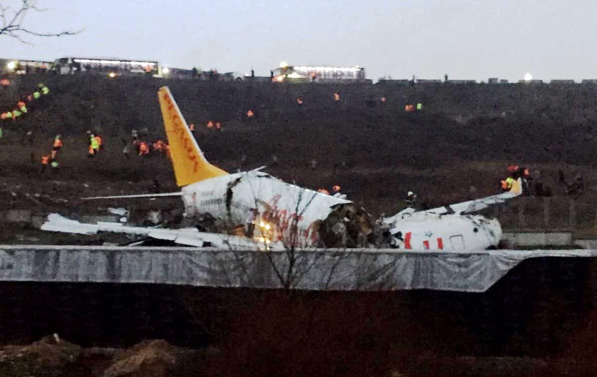 Turquie : Sortie de piste d'un avion atterrissant à l'aéroport Sabiha Gökçen, à Istanbul