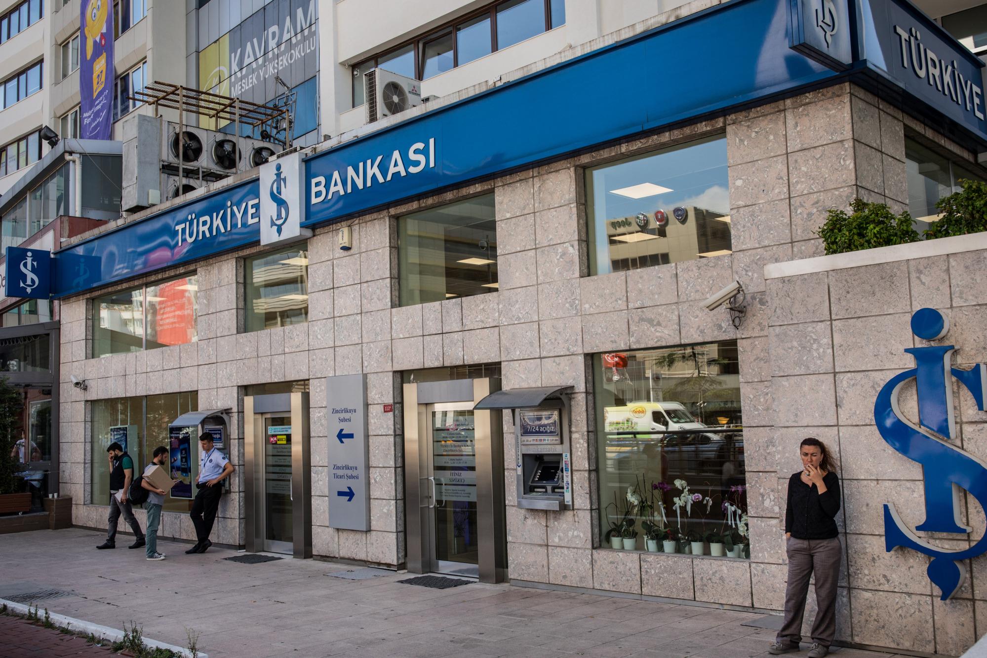 Erdogan envisage de reprendre la plus grande banque privée de Turquie