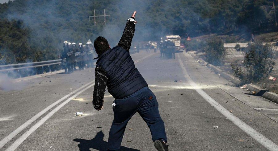 A Lesbos, la question migratoire tourne à l'émeute