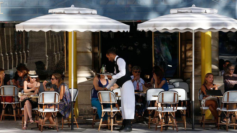 Coronavirus : les bars, restaurants, et commerces non essentiels fermés, le premier tour des municipales maintenu
