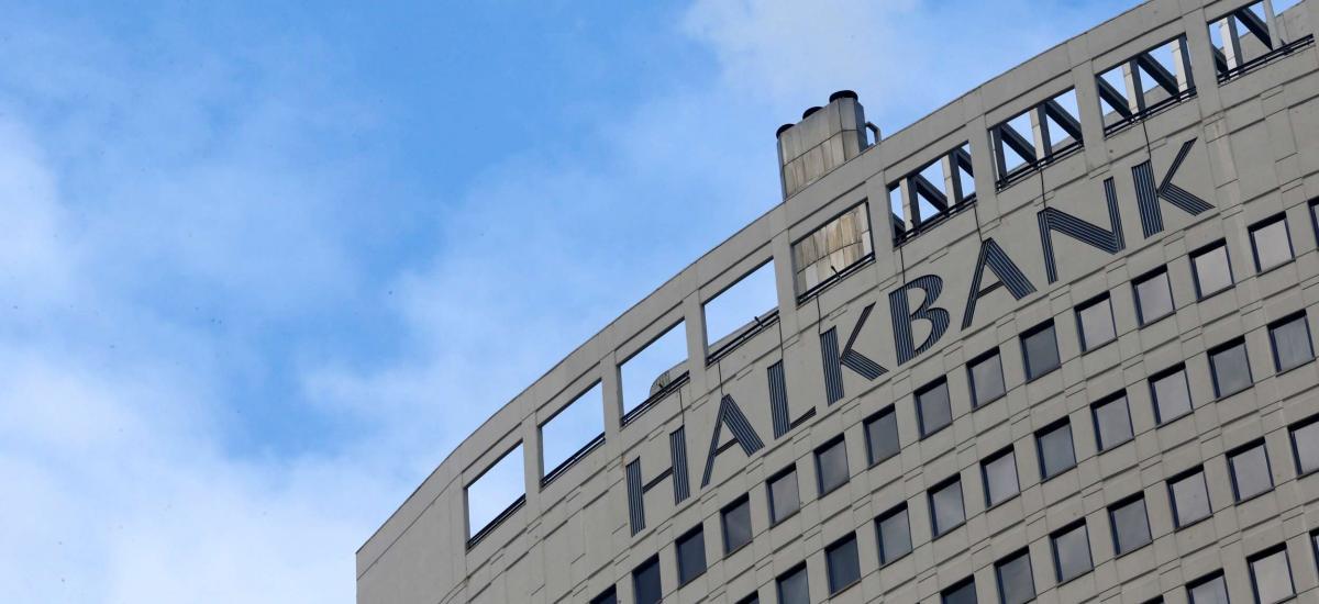 La Turquie Halkbank plaide non coupable d'énormes violations des sanctions
