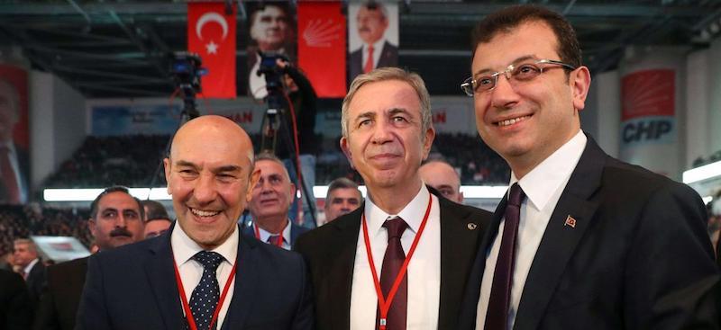 Le gouvernement turc considère les autorités municipales comme des ennemis contre le virus