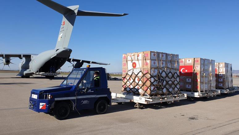 La Turquie envoie des fournitures médicales aux Alliés et aux partenaires des Balkans