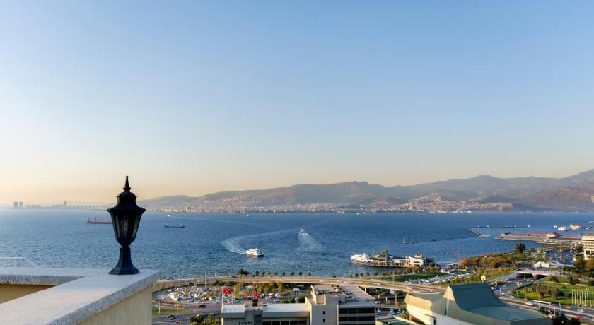 "Izmir ""Smyrne"" la perle de la mer Egée"