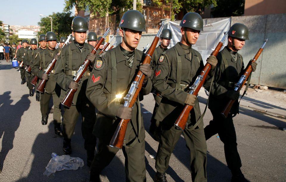 L'armée turque suspend le recrutement de soldats en raison d'un coronavirus