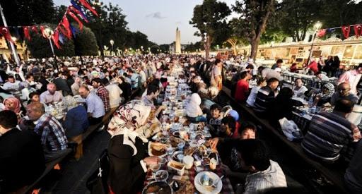 La Turquie interdit les rassemblement pendant le mois du Ramadan afin de contenir le coronavirus