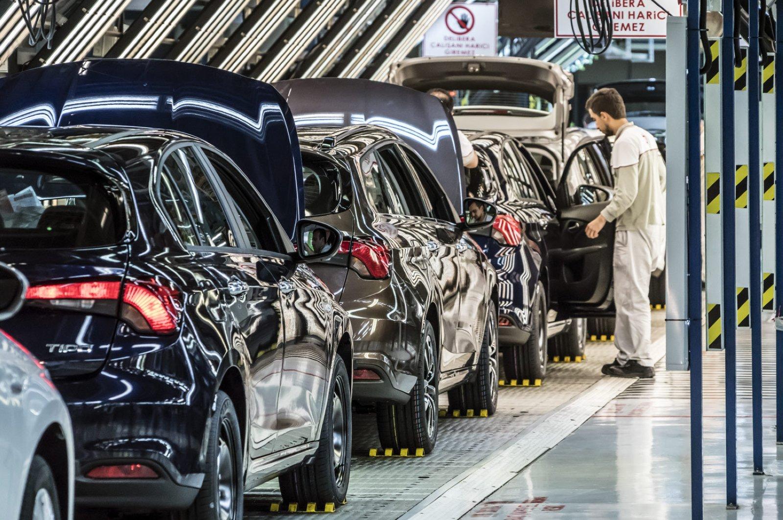 Les constructeurs automobiles turcs relancent leur production