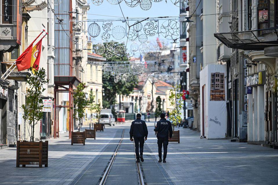 La Turquie impose un couvre-feu de 4 jours à travers le pays
