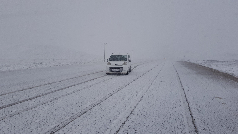 Chute de neige et de grêle dans l'Est de la Turquie