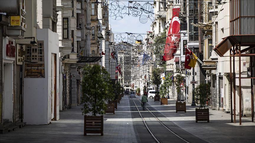 La Turquie impose un couvre-feu contre le virus le week-end dans 15 provinces