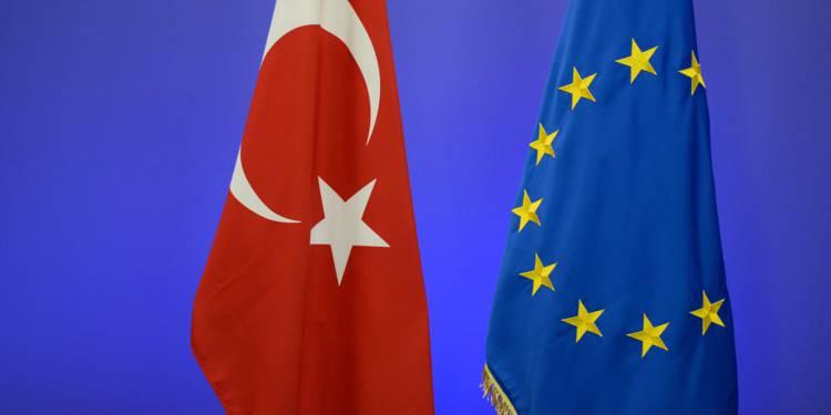 La Turquie continuera a recevoir des fonds de l'UE entre 2021 et 2027, a déclaré le commissaire