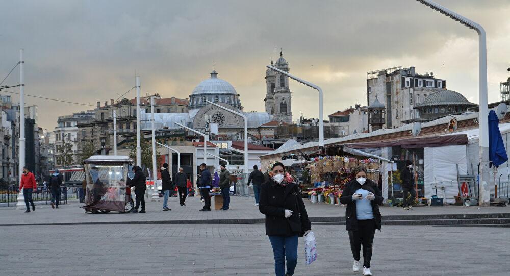 Augmentation des cas quotidiens de coronavirus en Turquie après l'assouplissement