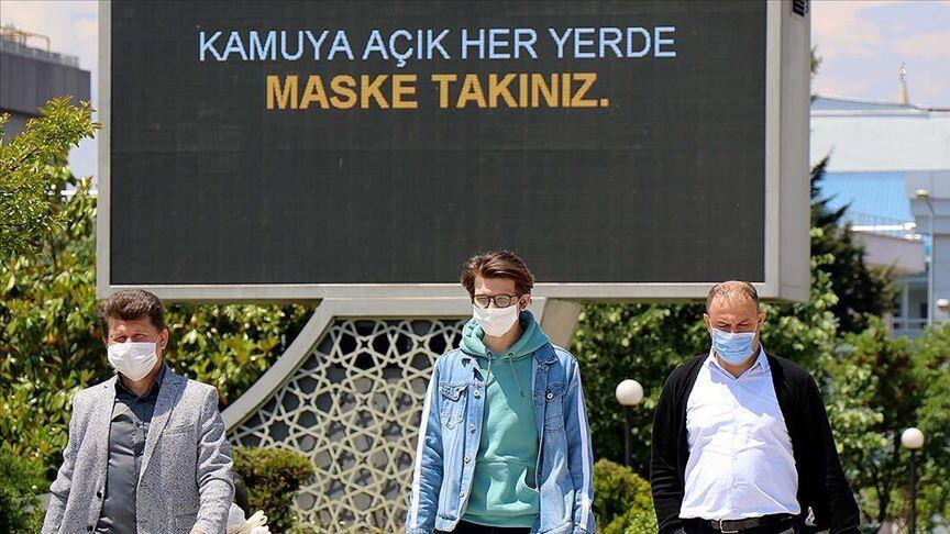 La Turquie rend obligatoire le port du masque dans trois grandes villes
