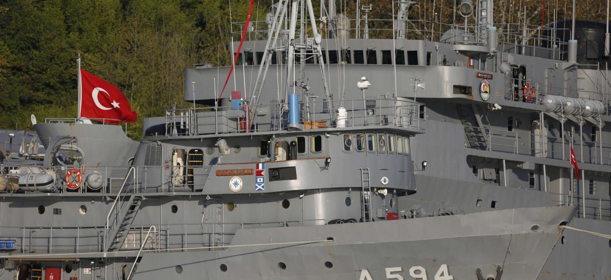 """L'OTAN enquête sur un """"harcèlement"""" turc présumé d'un navire français"""