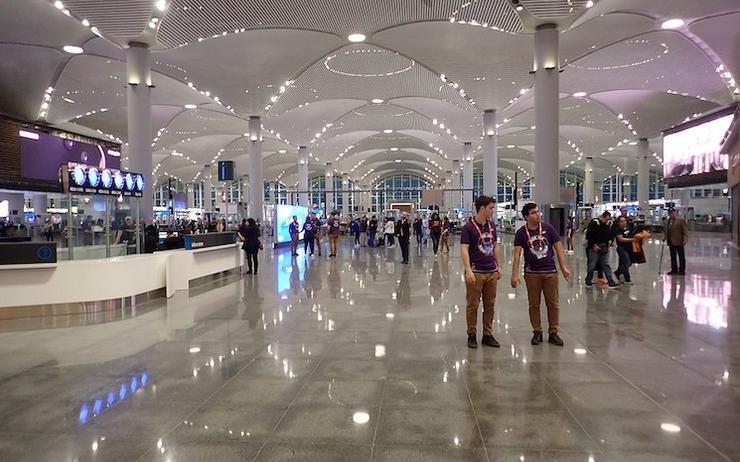 Les touristes profitent de vacances saines et sûres en Turquie