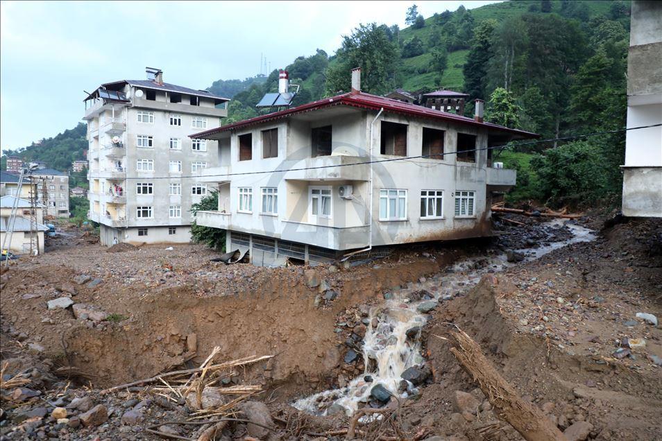 Les inondations font 2 morts et 11 blessés dans la région de la mer Noire en Turquie