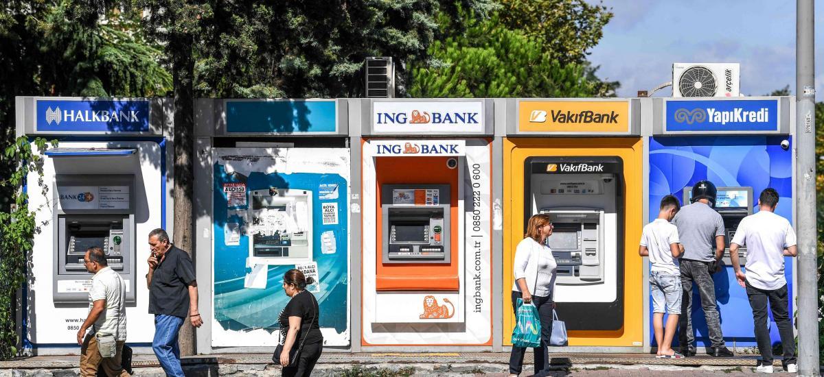 La Turquie inflige des amendes aux banques pour avoir enfreint les règles en matière de taux d'intérêt, sans avoir restructuré la dette