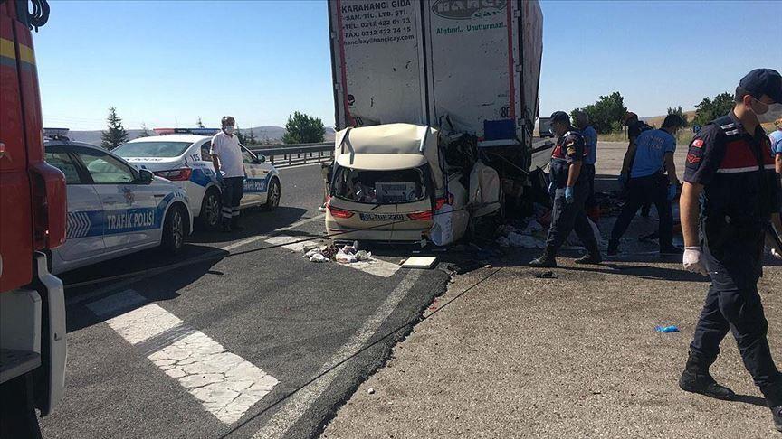 5 morts dans un accident de la circulation à Ankara, la capitale