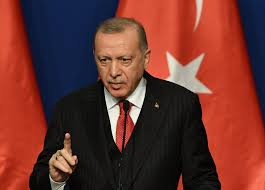 Erdogan s'en prend à Macron et aux dirigeants grecs, « cupides et incompétents »