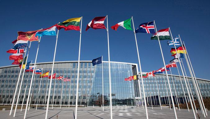 Les délégations turque et grecque se réunissent au siège de l'OTAN