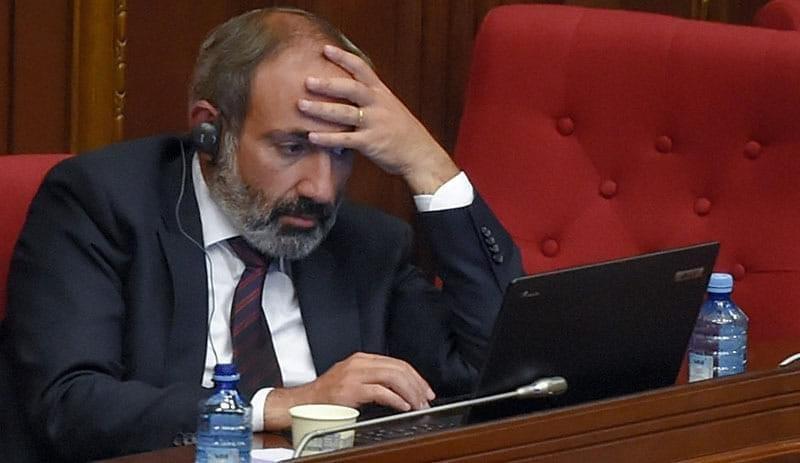"""Haut-Karabakh : Macron réclame """"des explications"""" à la Turquie"""