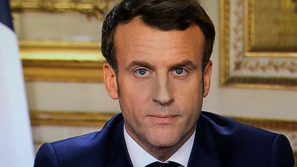 Professeur décapité : Il a été « assassiné parce qu'il enseignait la liberté d'expression », dénonce Macron