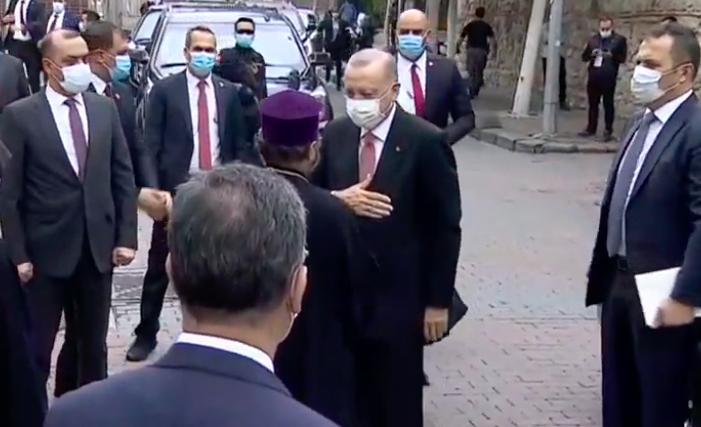 Erdogan a participé aux obsèques de Markar Esayan