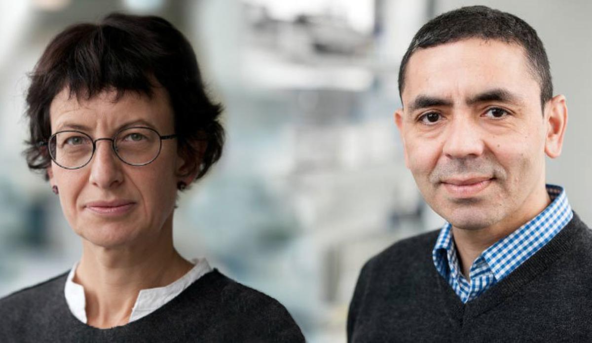 Ugur Sahin, cofondateur et dirigeant de BioNTech d'origine turque ; le vaccin pourra offrir une protection face au COVID-19 pendant au moins un an
